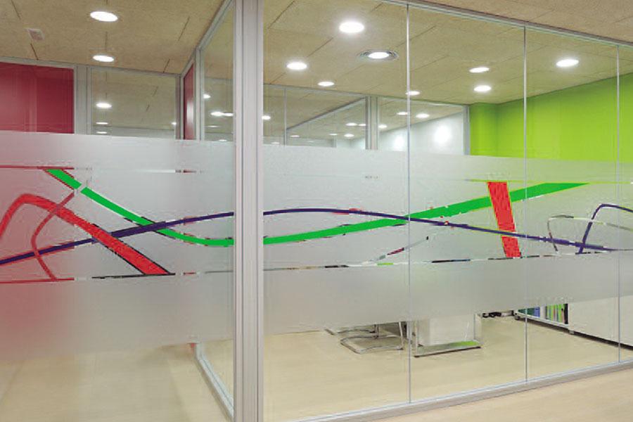 Mampara divisoria de vidrio