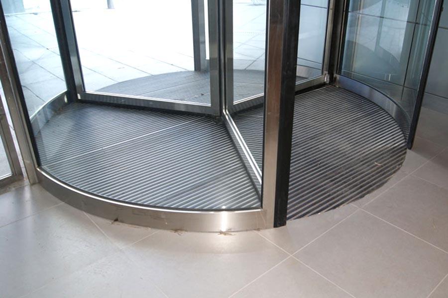 INSS puerta giratoria